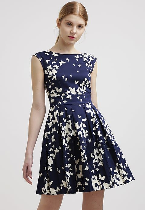 Bring mit diesem hübschen Kleid gute Laune in deinen Alltag! Closet Freizeitkleid - navy cream für 45,45 € (18.11.16) versandkostenfrei bei Zalando bestellen.