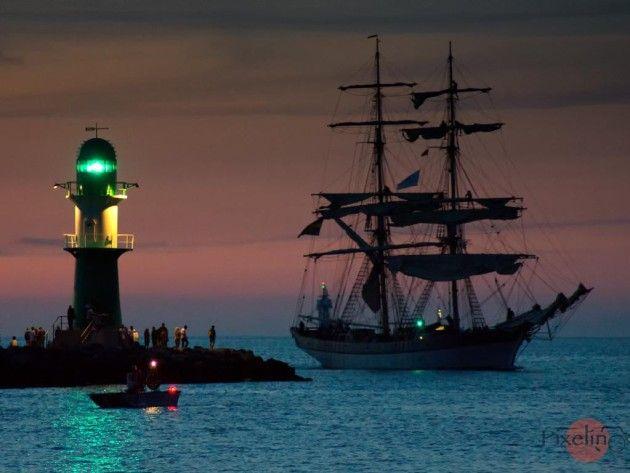 Abendimpressionen der 24. Hanse Sail in Warnemünde
