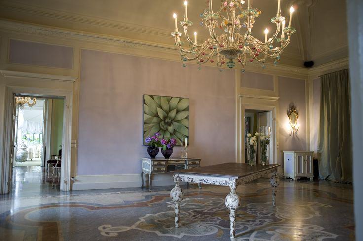La sala glicine di Villa Acquaroli, una location per matrimoni e ricevimenti