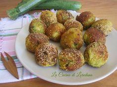 Piccole e deliziose Polpette di zucchine croccanti semplici e veloci da preparare, da friggere o da cuocere in forno, par la gioia dei piccoli di casa
