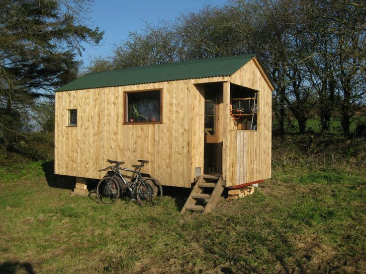 121 best images about tiny houses on pinterest gooseneck for Minimalist house on wheels