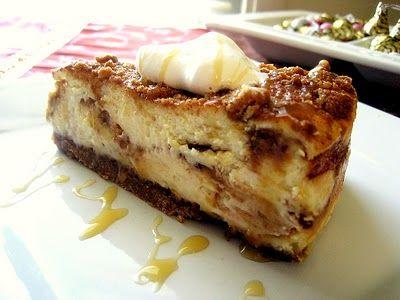 Cinn-a-bun Cheesecake: Delicious Desserts, Cheesecake Plates, Cinnabun Cheesecake, Recipe, Sweet Treats, Cheesecake Sugar Cookies, Cinn A Buns Cheesecake, Sweet Tooth, Cinnabon Cheesecake