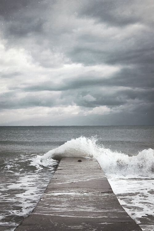 Pathway to the sea, walkway pier to the ocean | #sailing #photography #oceans