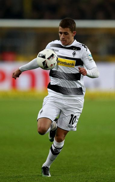 Thorgan Hazard of Borussia Moenchengladbach runs with the ball during the Bundesliga match between Borussia Dortmund and Borussia Moenchengladbach at Signal Iduna Park on December 3, 2016 in Dortmund, Germany.