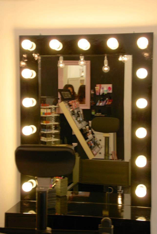 10 migliori immagini trucchi e belletti su pinterest - Specchio make up ...