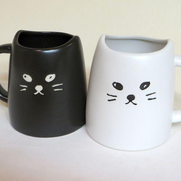 大好きなあの人と一緒に使いたい!可愛いペアマグシリーズ。黒猫と白猫のマグカップセット。【ラッピング無料】黒ねこと白ねこのペアマグ