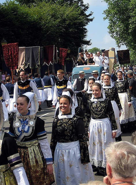 Quimper parade - Festival de Cornouaille 2008 | Flickr - Photo Sharing!