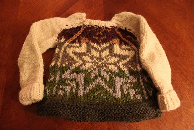 Ravelry: beardedknittr's little mitten sweater