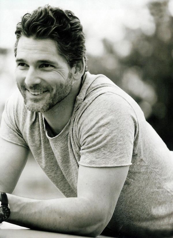 Mmmmm.... Eric Bana. I love watching Troy just so I can watch this guy, shirtless, in action! FINE!
