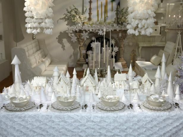 Christmas : This wintry pearl of a creation brought dreams of a white Christmas with Sandra's beautiful snow-hued tablescape.