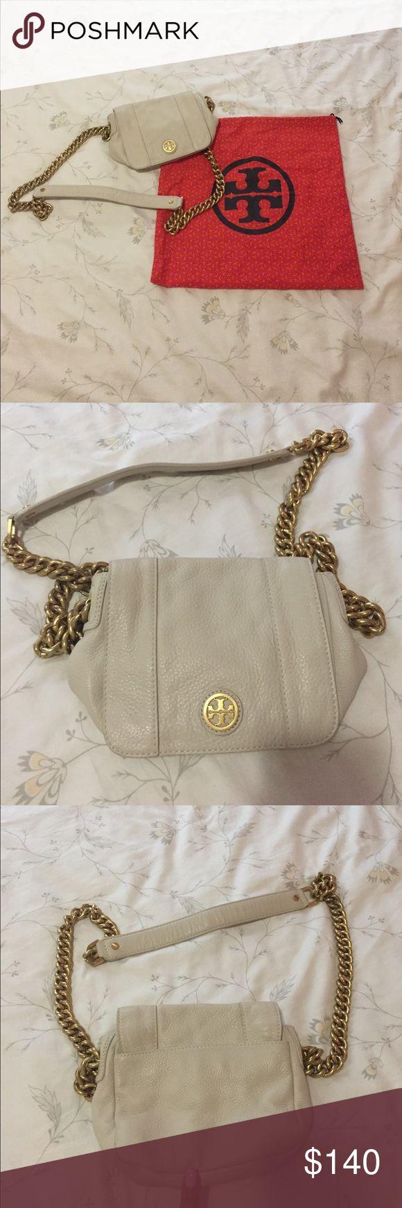 Tory Burch Cream Shoulder Bag w/ Chain Tory Burch Cream Shoulder Bag w/ Chain Tory Burch Bags Shoulder Bags