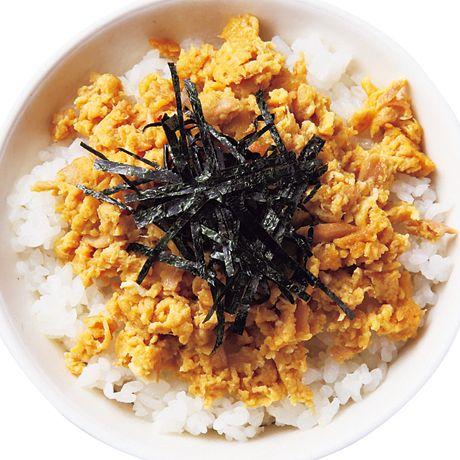 甘辛ツナそぼろ丼 | 瀬戸口しおりさんのどんぶりの料理レシピ | プロの簡単料理レシピはレタスクラブニュース