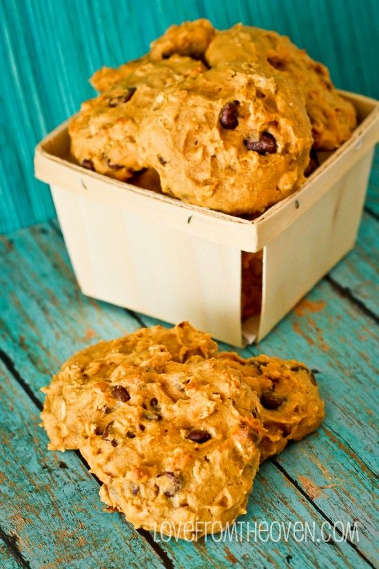 Oatmeal Pumpkin Chocolate Chip Cookies. Love a good chewy pumpkin cookie!