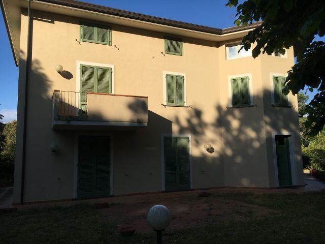 Villa Marina Massa Ronchi Mq 400 Giardino Mq 3000