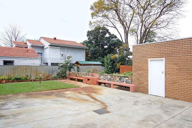 60's home, mid century modern, hills hoist