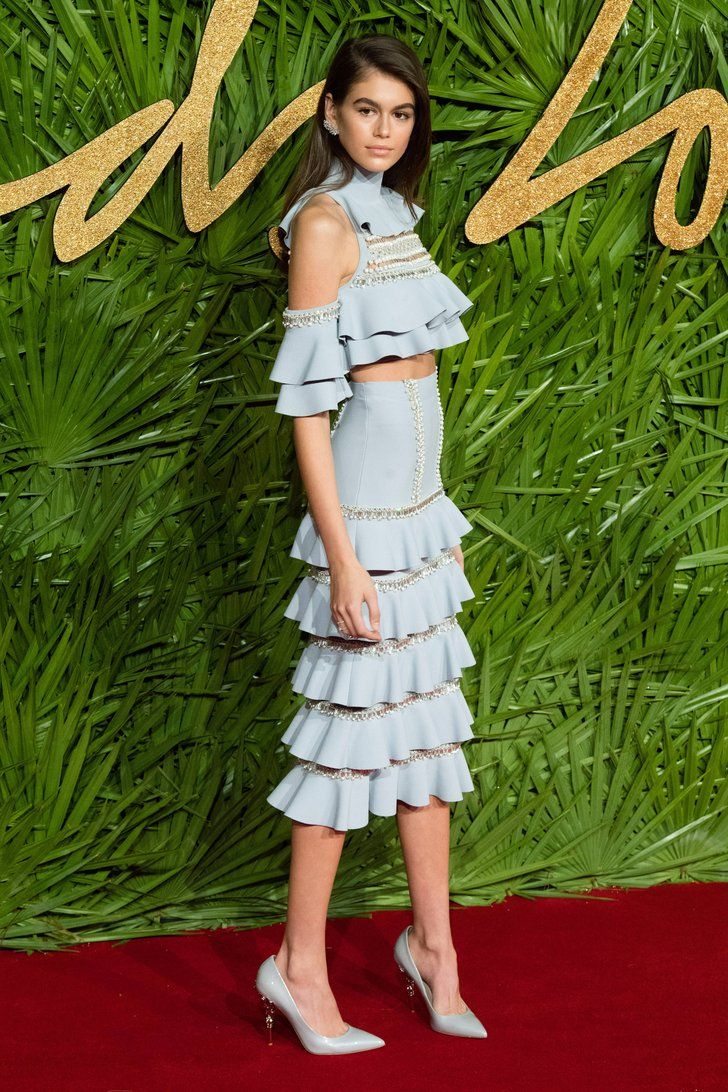 Kaia Gerber Just Made a Crop Top Look as Dramatic as a Red Carpet Gown