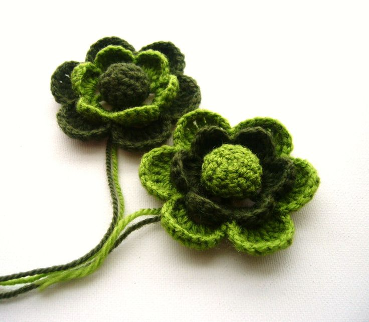 Crochet Flowers Brooches
