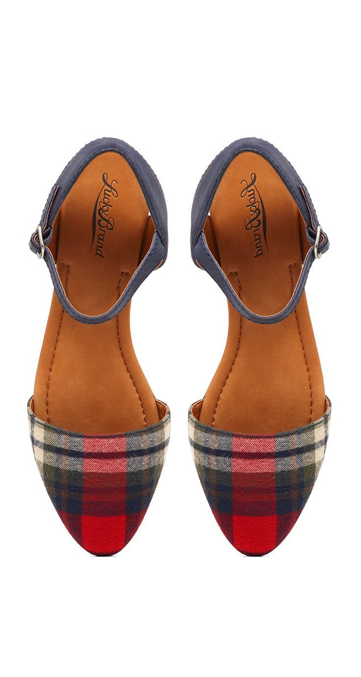 These Lucky Brand plaid shoes are so cute for Fall!