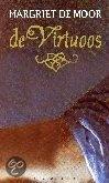 Margriet de Moor De virtuoos  In een met kaarsen verlichte loge van de opera laat Carlotta zich een seizoen lang betoveren door een wereld waarin kennis, schoonheid en liefde vanzelfsprekend samenkomen: muziek. Discussies over het moderne denken voert ze vol inzet...totdat het doek weer opgaat en de primo uomo verschijnt. Carlotta wordt verliefd op de mannelijke sopraan Gasparo.