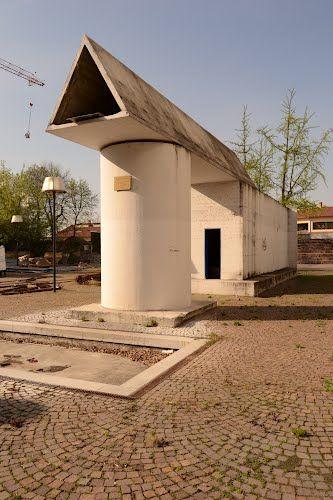 Segrate, scorcio del monumento ai partigiani di Aldo Rossi