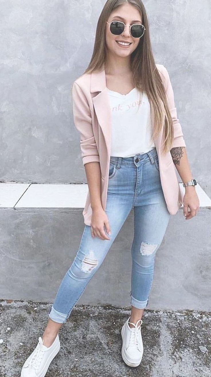 We are with popular street fashion ideas of the summer of 2019. You should look at this street style page prepared for ladies. Trend dresses, clothes,...