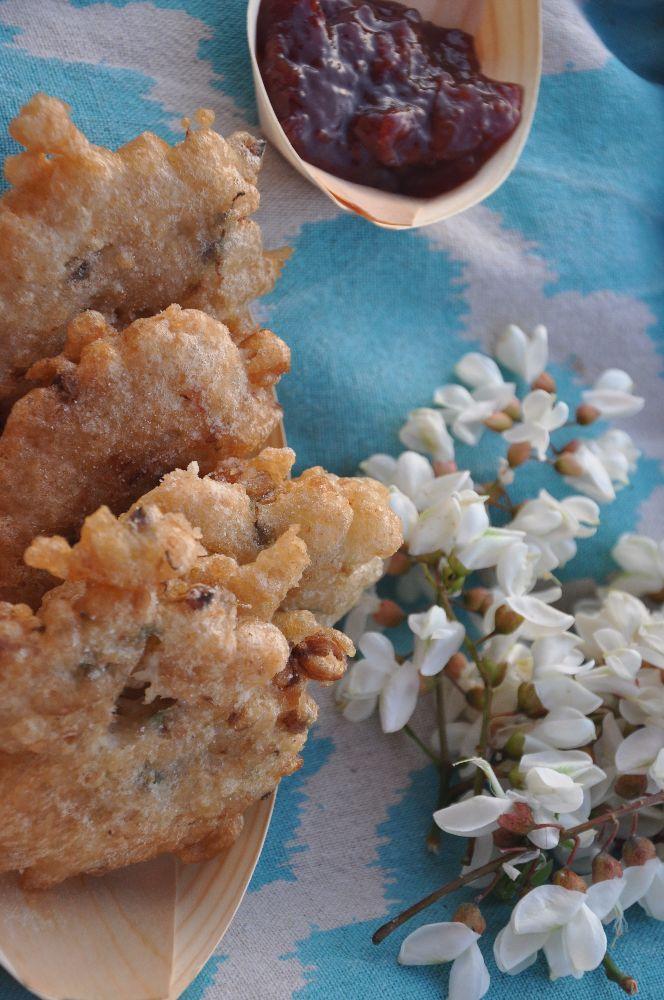 Sciroppo con fiori di sambuco, marmellate, fiori di acacia e di sambuco in pastella, plumcake. Sono solo alcune delle tante ricette che potrai preparare con questi splendidi fiori La natura ci rega…