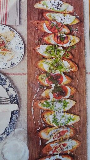 Mixed crostini DH84 p109