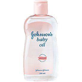 12 λόγοι για να μην λείπει το baby oil από το σπίτι