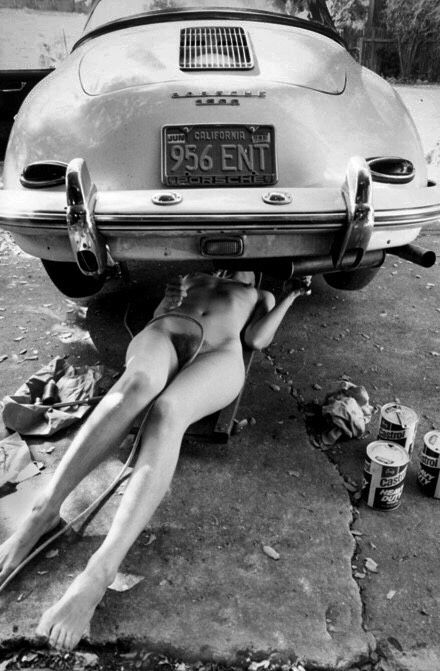 tuner-cars-with-naked-girls