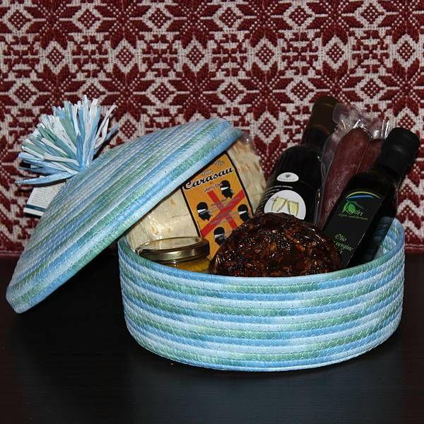 Nora, cesto regalo con prodotti tipici sardi - SardinianStore.com