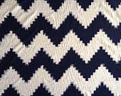 HALF YARD Ikat handloomed blanc et indigo bleu marine chevron en zigzag kasuri tissu de coton