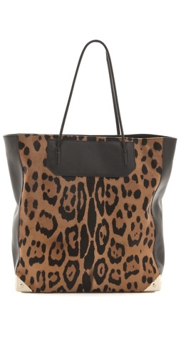 hello, perfect tote for fall.