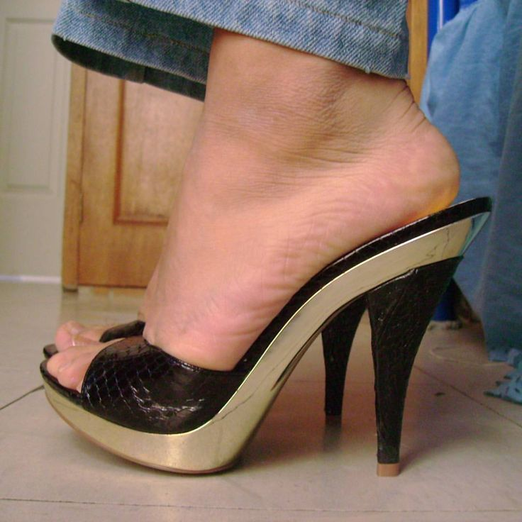 Pin By Shattenjager On Gorgeous Heels Mules Shoes Heels