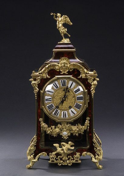 Un reloj de soporte bronce enchapado de caparazón de tortuga y dorado de estilo Luis XIV, Tiffany & Co., Nueva York. , siglo XX, movimiento sellada TIFFANY & CO