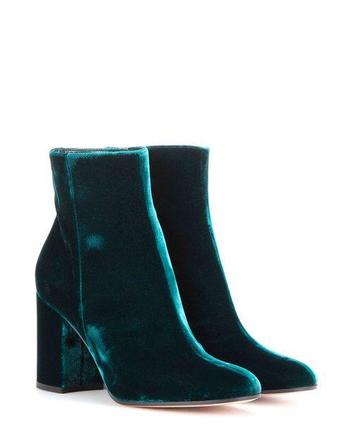 botines en color verde azulado, de Gianvito Rossi