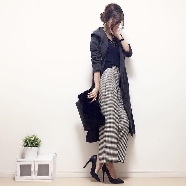 お返事前に失礼します! #今日のコーデ です☺︎♪ すっかり寒くなりましたね( ゚д゚ )! 慌ててコーディガン引っ張り出してきました(((((°°;) 千鳥柄のワイドパンツはゆるっとシルエットだけど、キレイ目な印象になるからお気に入り☺︎💕 knit#gu pants#zara pumps#diana outer/bag:import item  #handmadeaccessory#fashion#outfit#code#accessory#ponte_fashion#ジユジョ#ハンドメイドアクセサリー#プチプラ#プチプラコーデ#シンプル#シンプルコーデ#コーデ#コーディネート#ジーユー#r_fashion #r_fashion_1 #r_fashion_2#gumania#locari#beaustagrammer#mineby3mootd#大人カジュアル#スナップミー