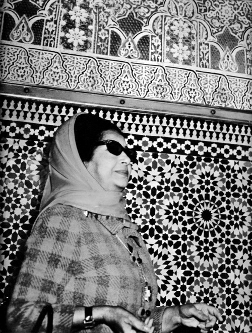 Oum Kalthoum, Masjid tiles. The duration of Umm Kulthum's songs in performance was not fixed, but varied based on the level of emotive interaction between the singer and her audience and Umm Kulthum's own mood for creativity. An improvisatory technique, which was typical of old classical Arabic singing, and which she executed for as long as she could have, repeating a single line or stance over and over, subtly altering the emotive emphasis and intensity and exploring one or various musical…