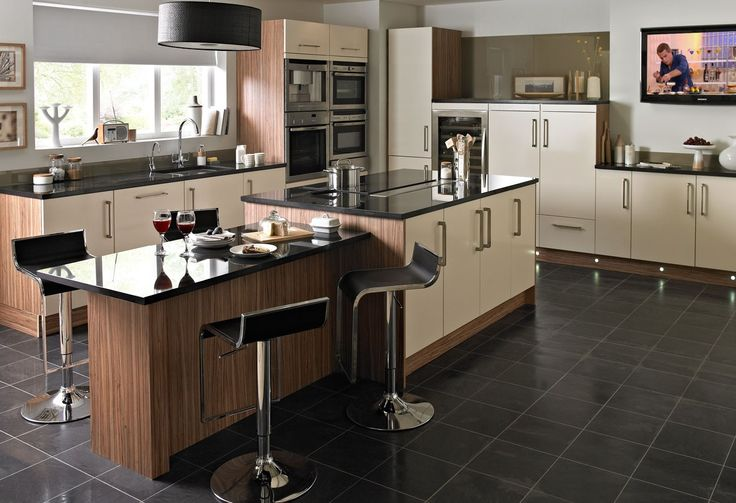 Pasadena Cream Kitchen Gives The Choice Of Solid Or Grained Wood Finish,  With A Smooth Black Granite Work Surface #interior #kitchen #home #pasadeu2026