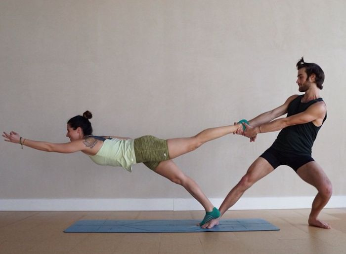 This is the perfect example of a pair who trusts each other. #yoga.  Partner yoga | Acro yoga