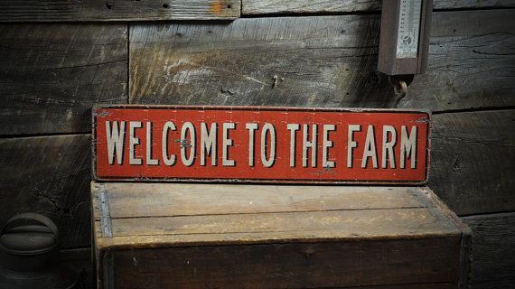 Welcome To The Farm Sign - Primitive Rustic Hand Made Vintage Wooden ENS1000294