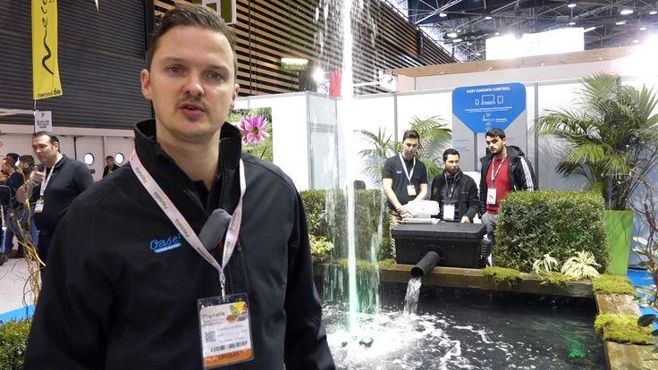OASE LIVING WATER France : Geoffroy GORGOL montre le système EGC. Pour le consommateur, cela permet de contrôler tout ce qu'il y a dans le jardin, de s'amuser avec les jets d'eau, d'avoir un retour sur le bon fonctionnement du système de filtration.  Mais cela a aussi un gros avantage pour notre réseau de professionnels, notamment  les paysagistes : cela permet à un paysagiste d'avoir, depuis le Cloud, c'est à dire un portail internet, un accès à toutes ses réalisations...