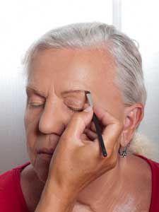 Augenbrauen nachzeichnen