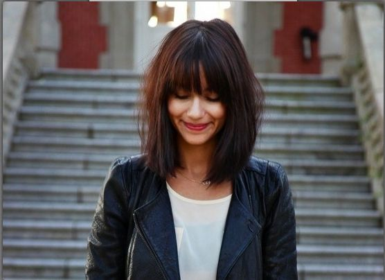 Medium Haircuts Range From Fringes Bob Messy Layers Choppy And Edgy Looks Get Shoulder Length Hair With These Great For Women