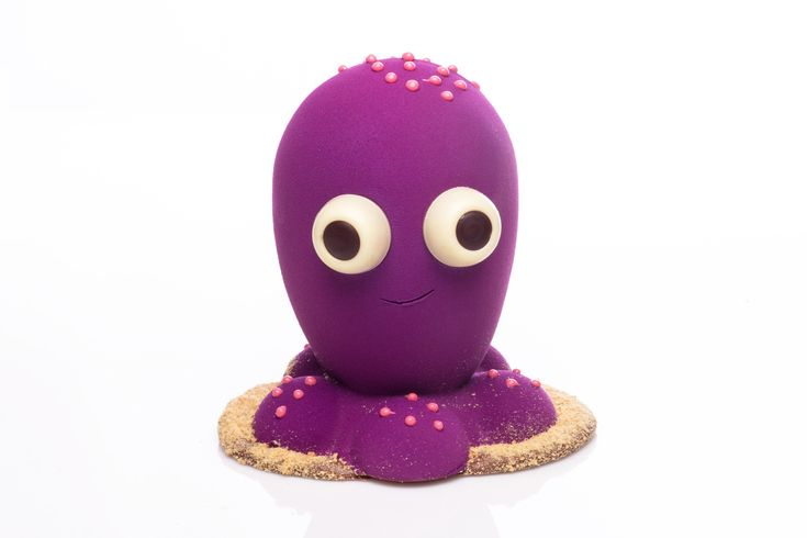 On vous présente Norbert la pieuvre, qui rêve d'aller dans l'espace 🚀 et qui n'aime pas la course à pied! Norbert a été confectionné à la main, avec des yeux fourrés au caramel fleur de sel!🦑 Édition exclusive de Pâques disponible en succursale uniquement.