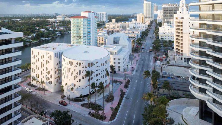 Три здания в Майами-Бич