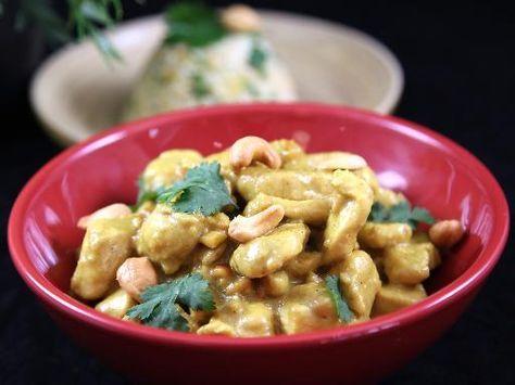 Poulet au curry lait de coco et noix de cajou : Recette de Poulet au curry lait de coco et noix de cajou - Marmiton