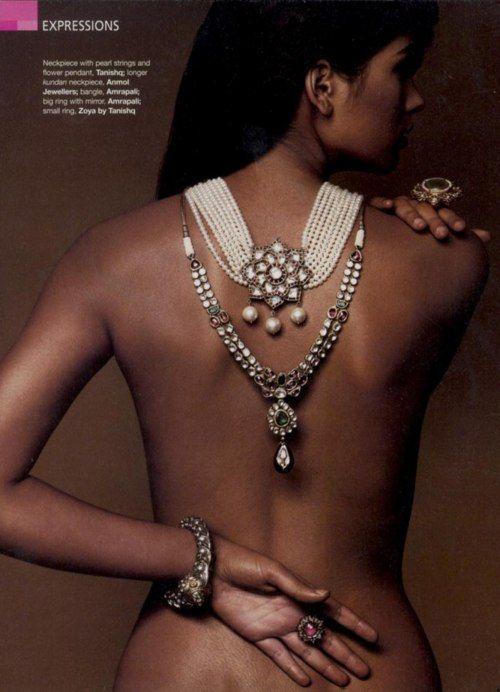 kundan jewellery. love the simple double line necklace & bracelate