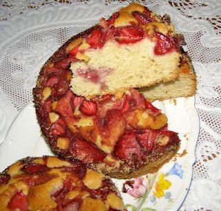 W Mojej Kuchni Lubię.. : szybkie, łatwe, ucierane ciasto z truskawkami...