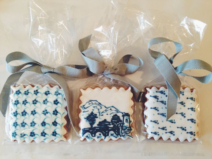 Hand crafted biscuits by the supremely talented Roxy Floquet | L'Orangerie