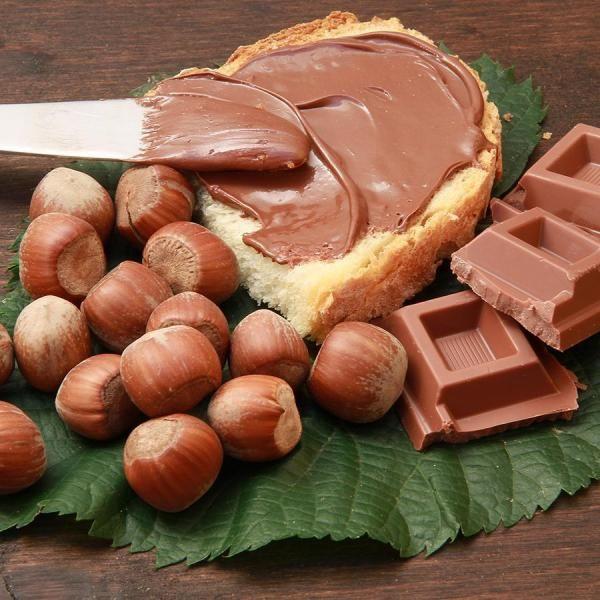 Como fazer creme de avelã. Se você é um amante do chocolate e de todas as suas variantes, certamente que não falta um pote de Nutella em sua cozinha, pois este é um dos alimentos que mais viciam. No entanto, não é dos mais reco...
